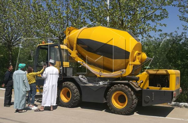 4 m3 small concrete mixer
