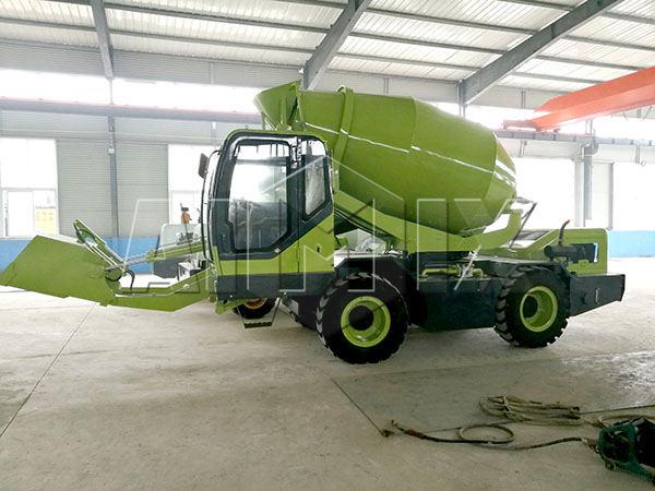 1.2m3 self loading concrete mixer