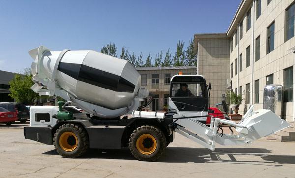 2.0 m3 self loading mobile concrete mixer