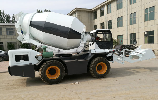 3.5 m3 self loading mobile concrete mixer