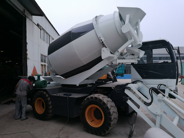 4 m3 portable concrete mixer