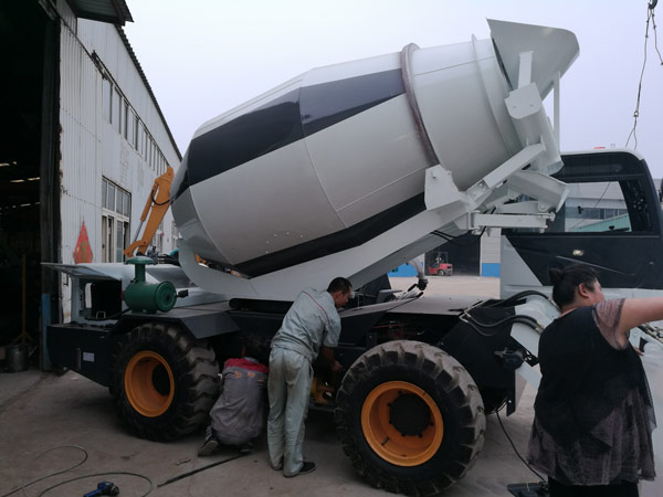 4m3 towable concrete mixer