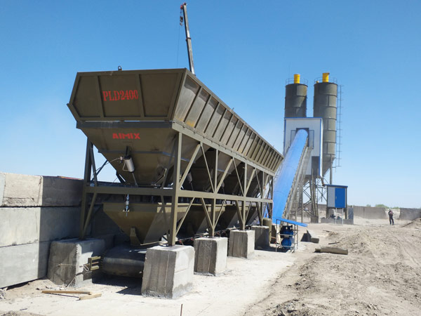 Aimix AJ90 concrete plant set up in Uzbekistan 3