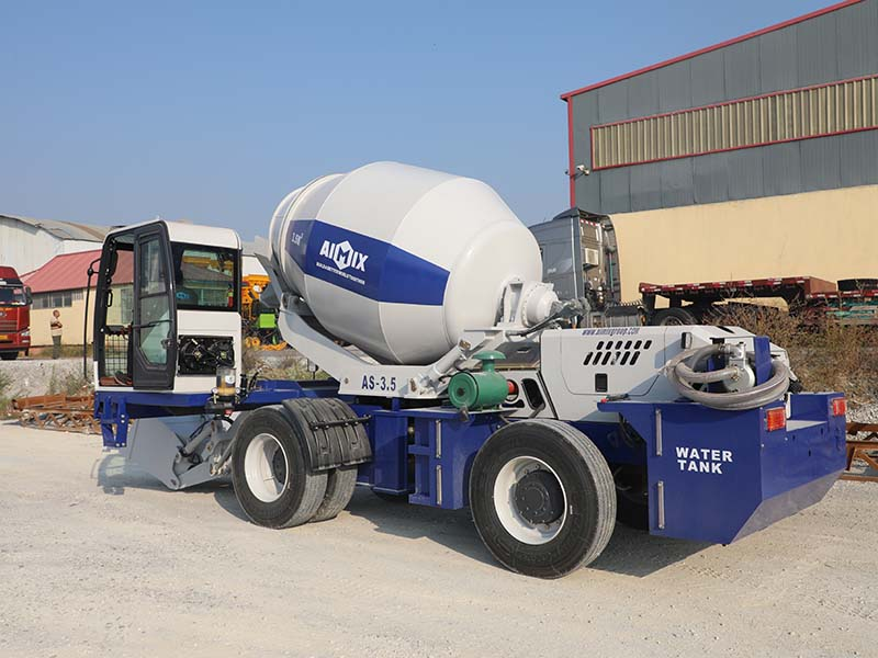 3.5 cub self loading mixer