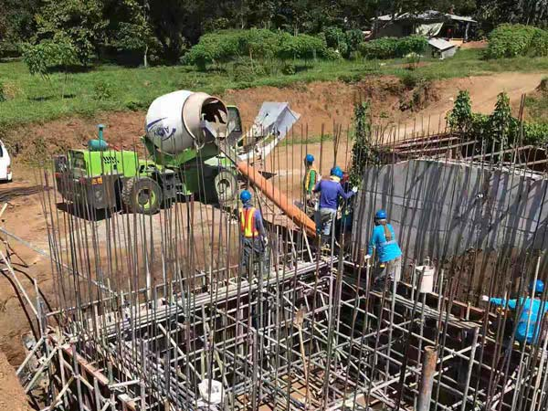 Aimix self loading concrete mixer in the Philippines 5