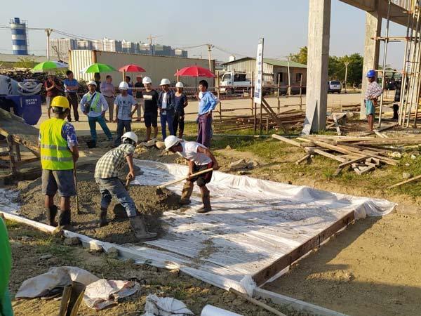 Aimix self loading concrete mixer working in Myanmar 2