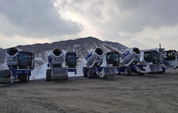 Aimix self loading concrete mixers