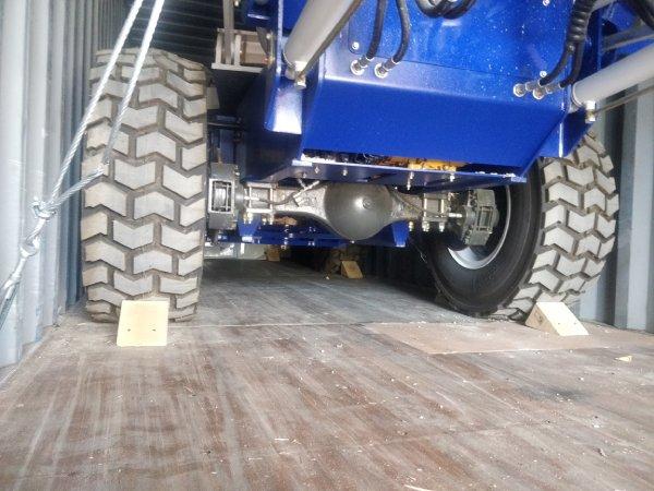 selfloading concrete mixer