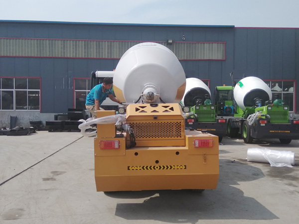 AIMIX 3.5B self loading mixer sent to the Philippines