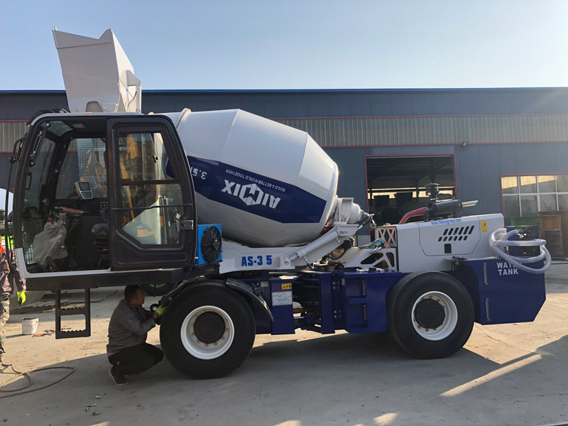 3.5C self loading mixer sent to the Philippines
