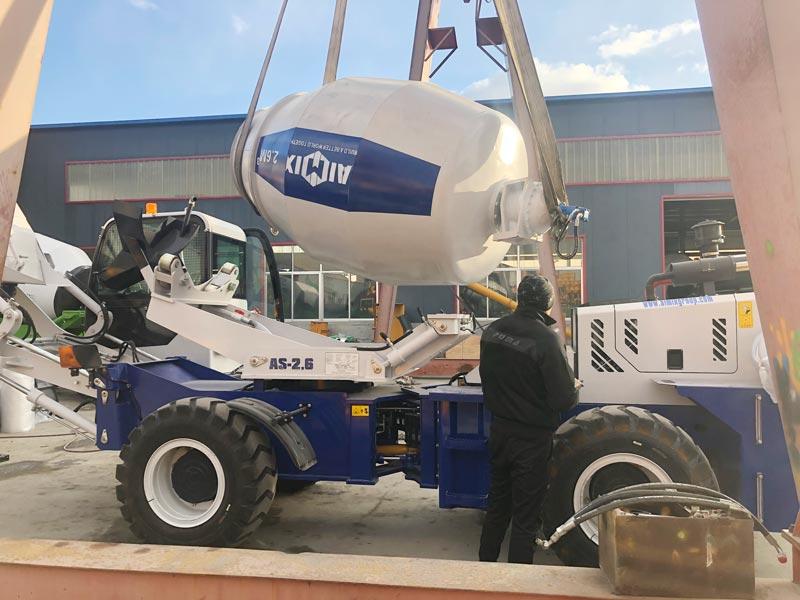 AS2.6 self loading mixer sent to Australia