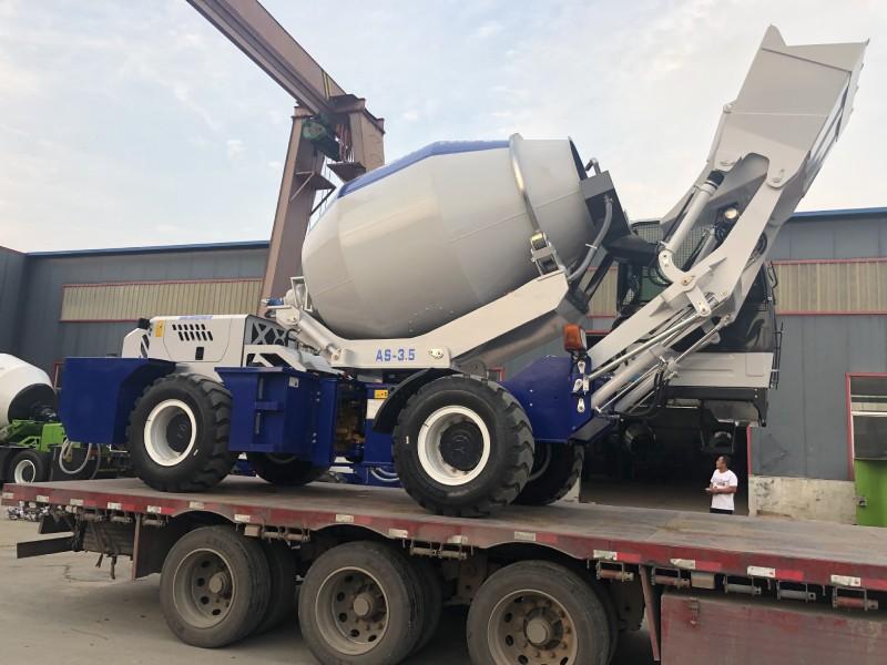 AS3.5 self loading concrete mixer loading